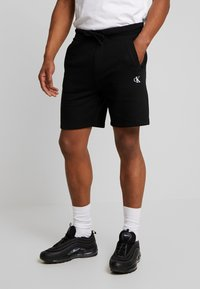 Calvin Klein Jeans - ESSENTIAL - Shorts - black - 0