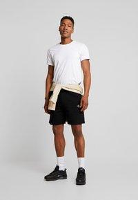 Calvin Klein Jeans - ESSENTIAL - Shorts - black - 1