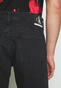 Calvin Klein Jeans - CK ONE REGULAR SHORT - Jeansshort - black stone - 3