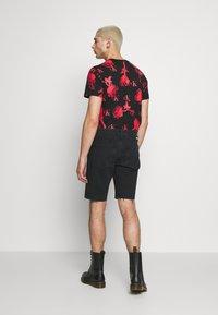 Calvin Klein Jeans - CK ONE REGULAR SHORT - Jeansshort - black stone - 2