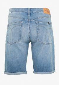 Calvin Klein Jeans - Jeansshorts - light blue - 1