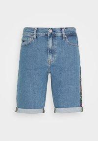 Calvin Klein Jeans - SLIM SHORT PRIDE - Shorts di jeans - light blue - 3