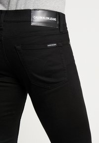 Calvin Klein Jeans - WEST CUT - Vaqueros slim fit - stay black - 3