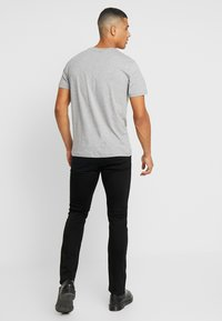 Calvin Klein Jeans - WEST CUT - Vaqueros slim fit - stay black - 2