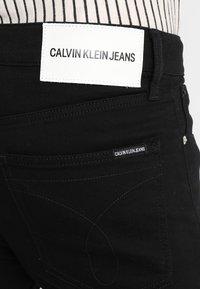 Calvin Klein Jeans - 016 SKINNY - Jeans Skinny - stay black - 5
