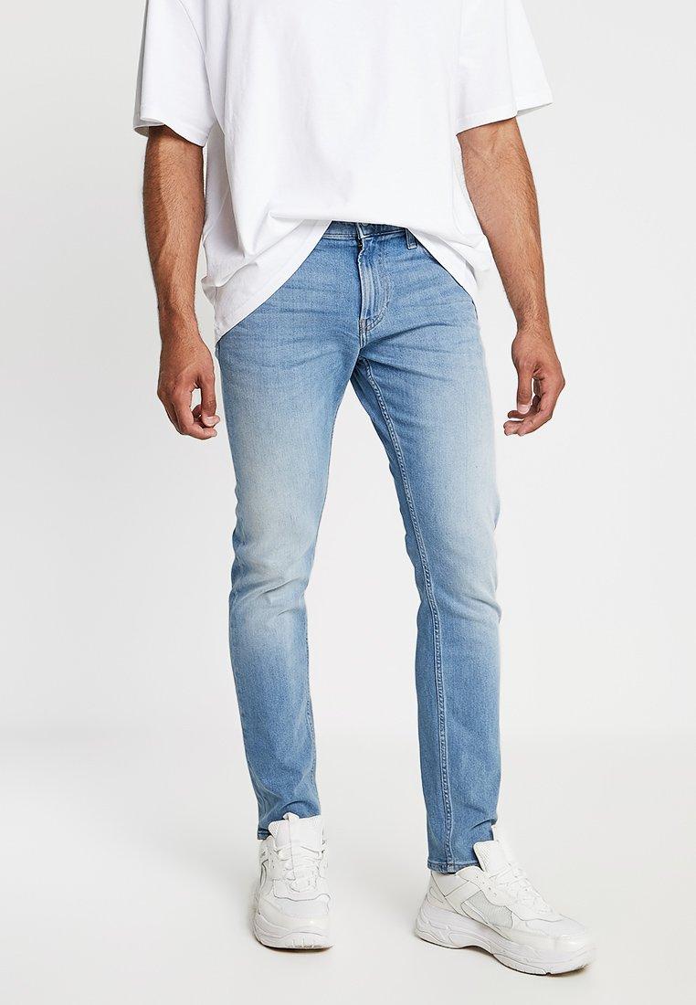 Calvin Klein Jeans - 026 SLIM - Slim fit jeans - denim