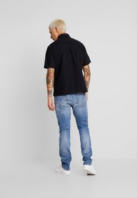 Calvin Klein Jeans - 058 SLIM - Jeans slim fit - 135 blue - 2