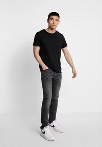 Calvin Klein Jeans - CKJ 026 SLIM - Džíny Slim Fit -  black - 1
