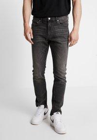 Calvin Klein Jeans - CKJ 026 SLIM - Džíny Slim Fit -  black - 0