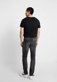 Calvin Klein Jeans - CKJ 026 SLIM - Džíny Slim Fit -  black - 2
