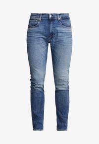 Calvin Klein Jeans - CKJ 016 SKINNY - Skinny džíny - mid blue - 3