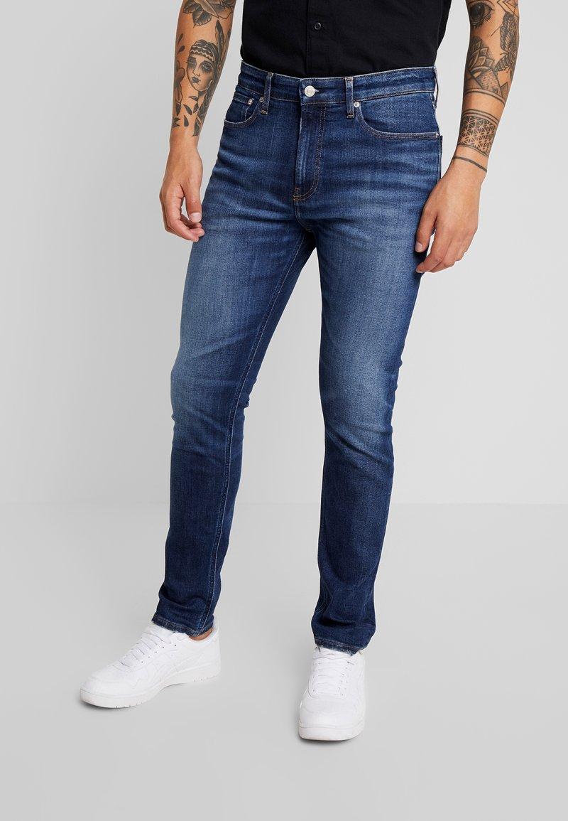 Calvin Klein Jeans - 016 SKINNY - Skinny džíny - 150 darkblue