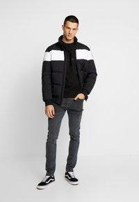 Calvin Klein Jeans - CKJ 016 SKINNY - Skinny džíny - ca080 grey - 1
