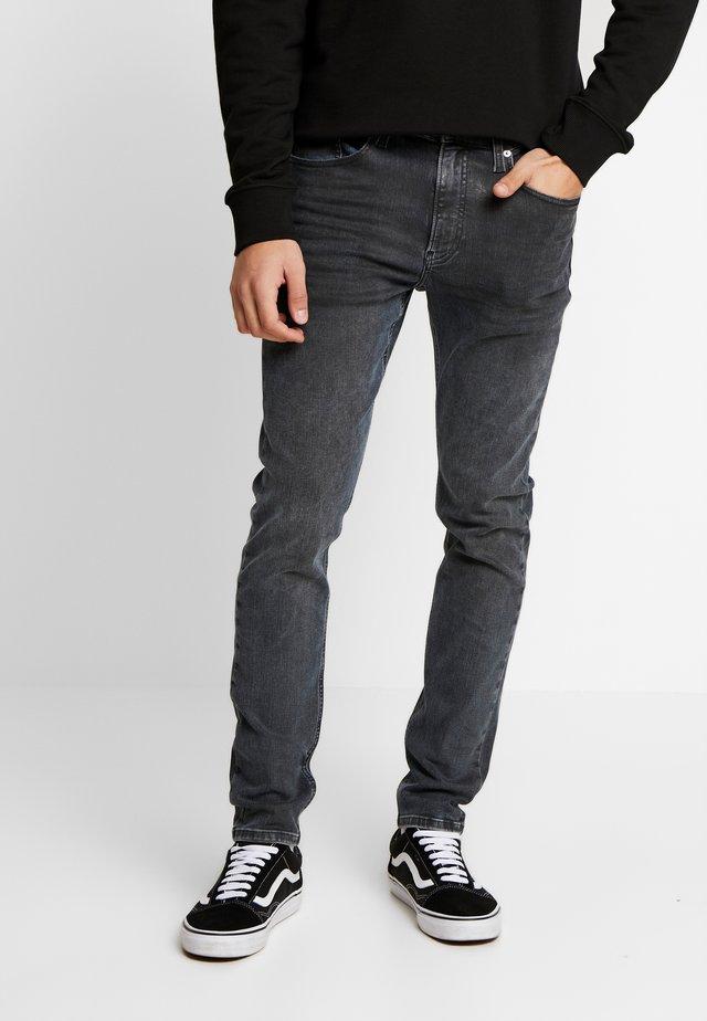 CKJ 016 SKINNY - Jeansy Skinny Fit - ca080 grey