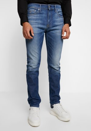 CKJ 026 SLIM - Jeans slim fit - light blue