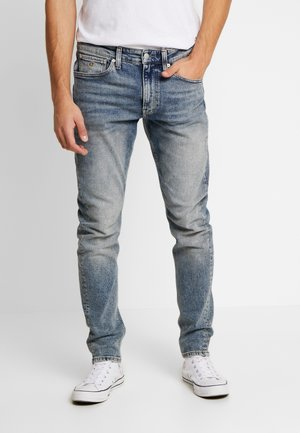 CKJ 058 SLIM TAPER - Jeans Tapered Fit - bright blue