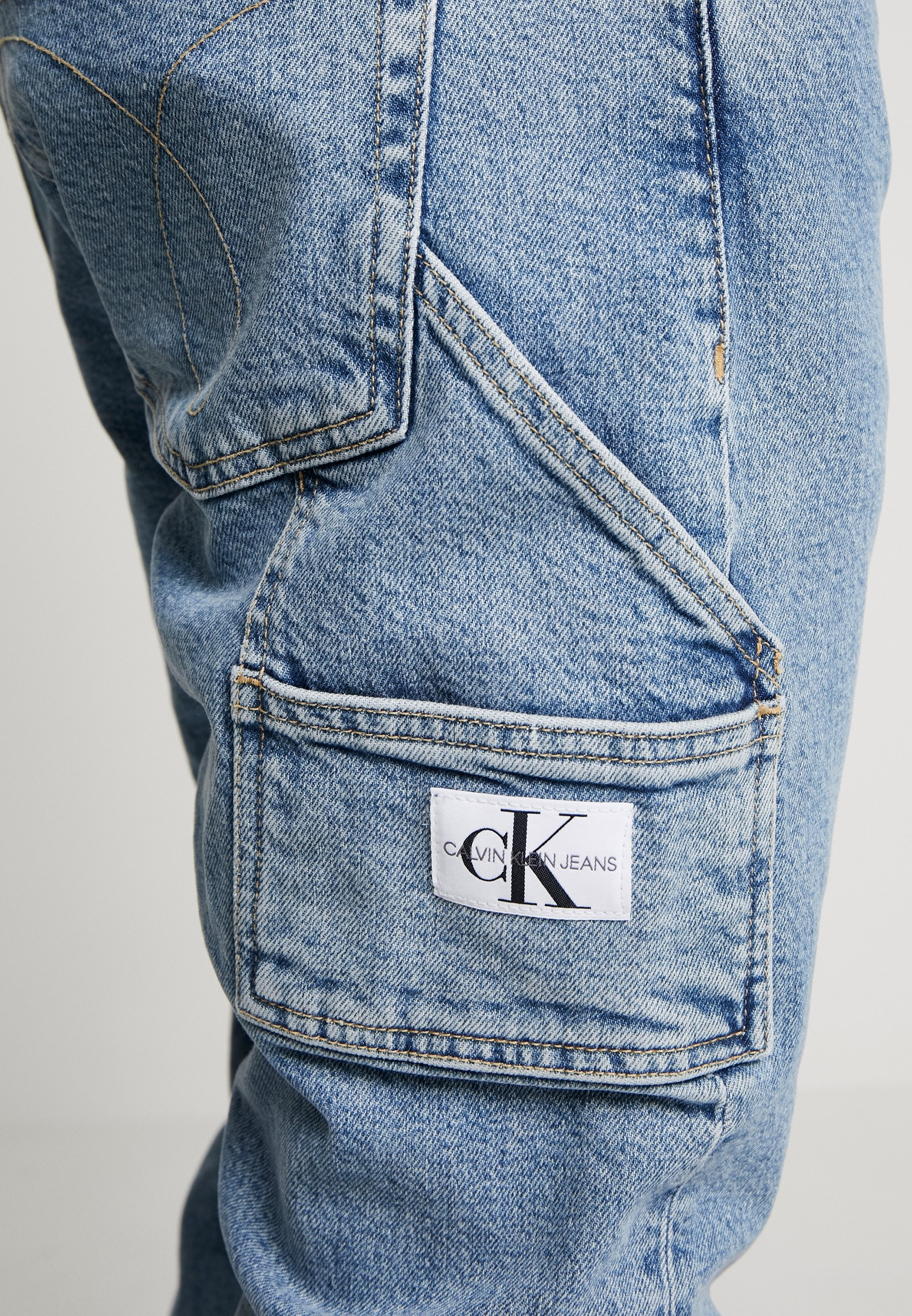 Calvin Klein Jeans Utility Taper - Tapered Fit Light Blue