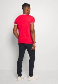 Calvin Klein Jeans - SLIM TAPER  - Tapered-Farkut - blue - 2