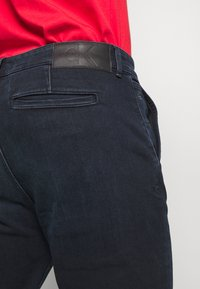 Calvin Klein Jeans - SLIM TAPER  - Tapered-Farkut - blue - 5