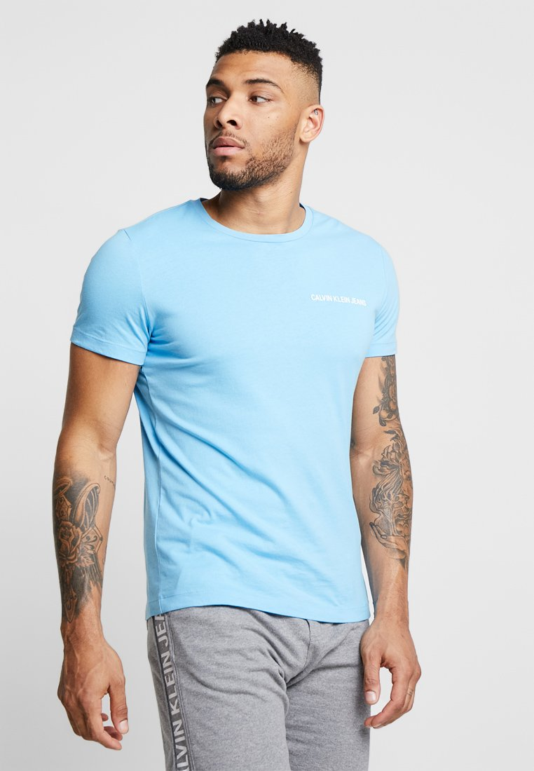 Calvin Klein Jeans - SMALL INSTIT LOGO CHEST TEE - T-Shirt basic - blue