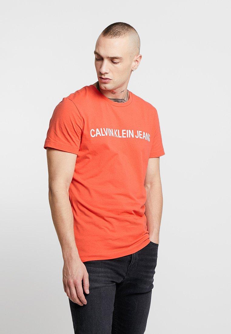 Calvin Klein Jeans - INSTITUTIONAL SLIM LOGO TEE - T-Shirt print - red