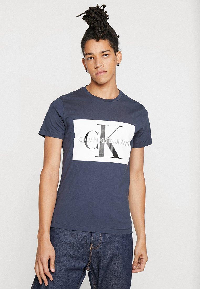 Calvin Klein Jeans - MONOGRAM BOX LOGO SLIM TEE - T-Shirt print - blue
