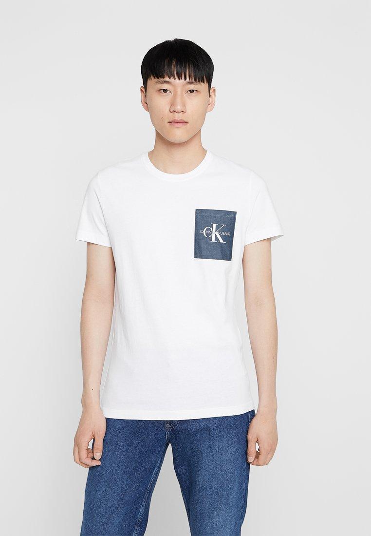 Calvin Klein Jeans - MONOGRAM POCKET SLIM TEE - Print T-shirt - white