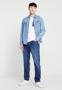 Calvin Klein Jeans - MONOGRAM POCKET SLIM TEE - Print T-shirt - white - 1