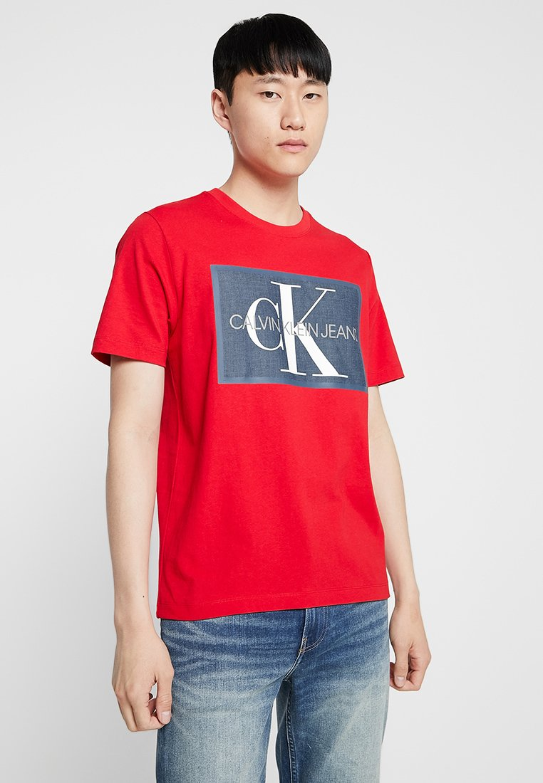 Calvin Klein Jeans - MONOGRAM ICON BOX - Triko s potiskem - red