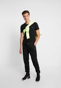Calvin Klein Jeans - SLIM FIT 2 PACK - T-paita - black beauty - 1