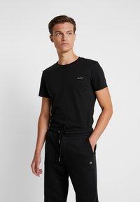 Calvin Klein Jeans - SLIM FIT 2 PACK - T-paita - black beauty - 2