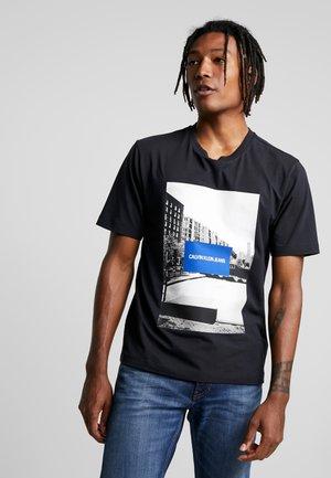 CITY SPORT - Triko spotiskem - black
