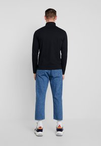 Calvin Klein Jeans - CORE INSTIT  - Langærmede T-shirts - black - 2