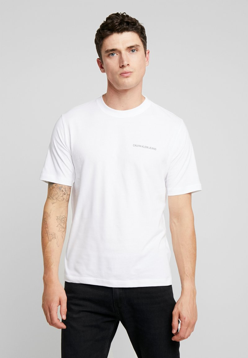 Calvin Klein Jeans - CORE EMBRO TEE - Jednoduché triko - bright white
