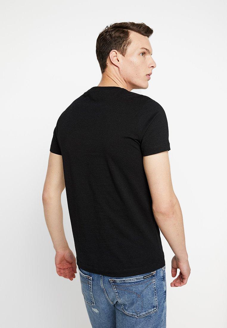 Tee PrideT Slim Black Jeans Calvin Pocket Klein Imprimé shirt ZPTkOiuX