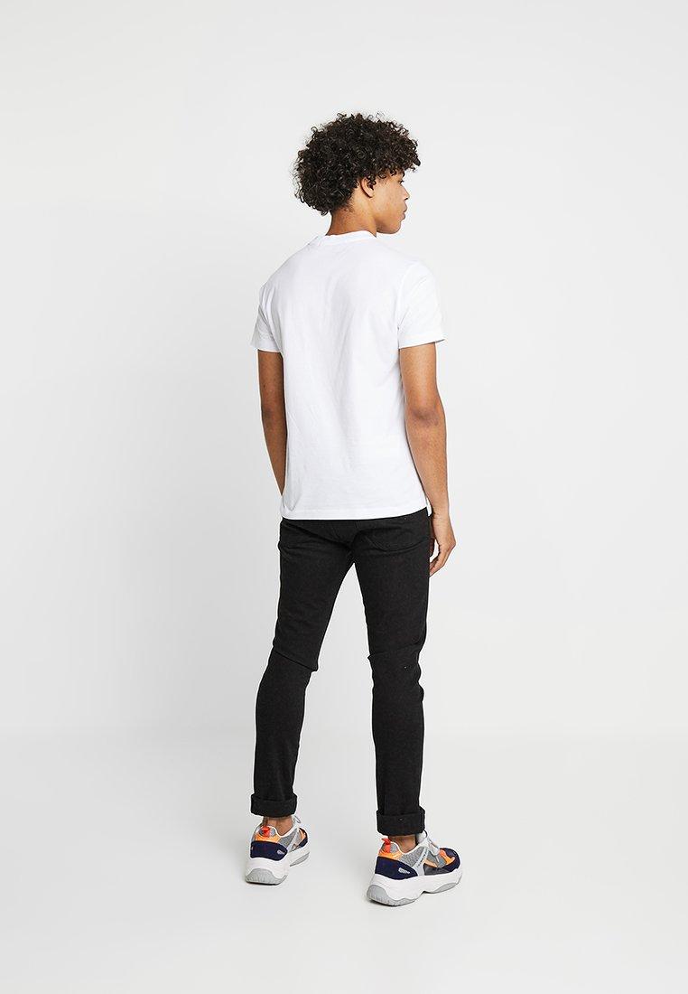 Jeans Institutional Logo TeeT Bold White Klein Slim Bright shirt Calvin Imprimé rdxWEeBCQo