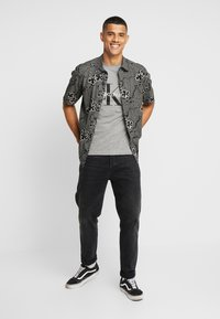 Calvin Klein Jeans - ICONIC MONOGRAM SLIM TEE - T-shirt print - heather grey - 1