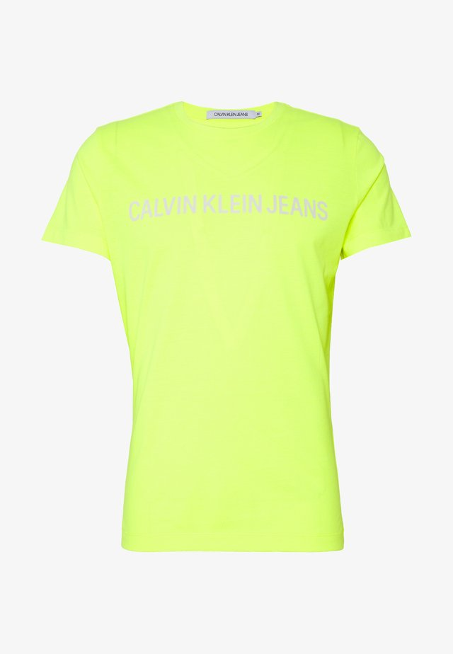 INSTITUTIONAL LOGO SLIM TEE - T-shirt imprimé - safety yellow