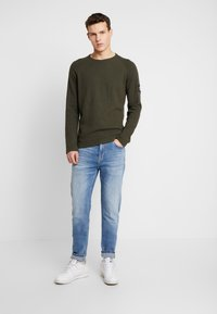 Calvin Klein Jeans - WAFFLE MONOGRAM SLEEVE SLIM - Bluzka z długim rękawem - deep depths - 1