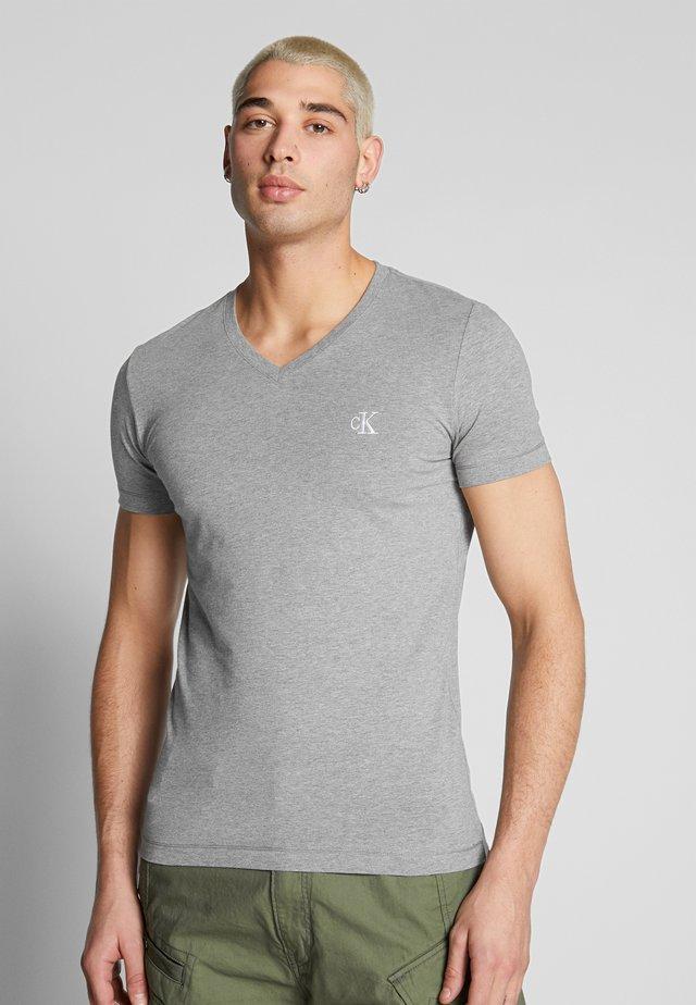 ESSENTIAL V NECK TEE - T-shirt basique - mid grey heather