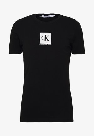 CENTER MONOGRAM BOX SLIM TEE - Printtipaita - black