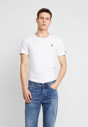 SLEEVES LOGO INSTIT TAPE  - T-shirt basic - bright white