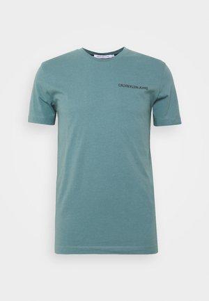 INSTITUTIONAL CHEST LOGO TEE - T-Shirt basic - vapor green