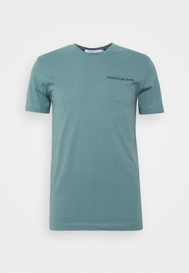 INSTITUTIONAL CHEST LOGO TEE - T-shirt basique - vapor green