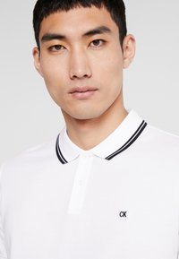 Calvin Klein Jeans - TIPPING BADGE PIMA STRETCH  - Poloshirt - bright white - 4