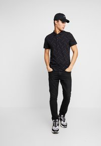 Calvin Klein Jeans - INSTITUTIONAL SLIM  - Polotričko - black - 1