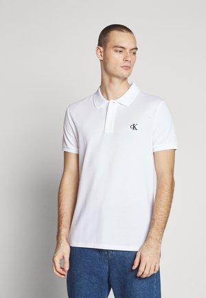 ESSENTIAL REGULAR - Polo shirt - bright white