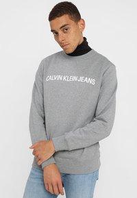 Calvin Klein Jeans - CORE INSTITUTIONAL LOGO - Sweater - grey heather - 0