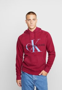 Calvin Klein Jeans - WASHED RELAXED MONOGRAM HOODIE - Mikina skapucí - beet red - 0