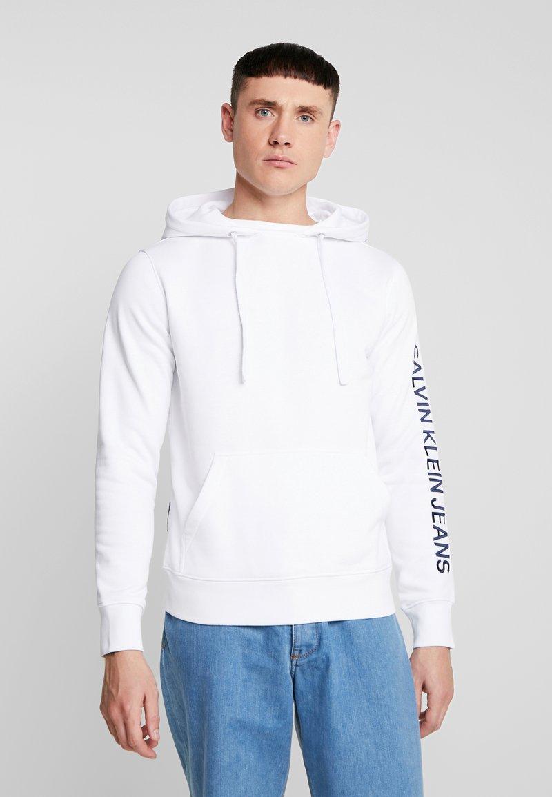 Calvin Klein Jeans - REGULAR INSTITUTIONAL HOODIE - Hoodie - bright white
